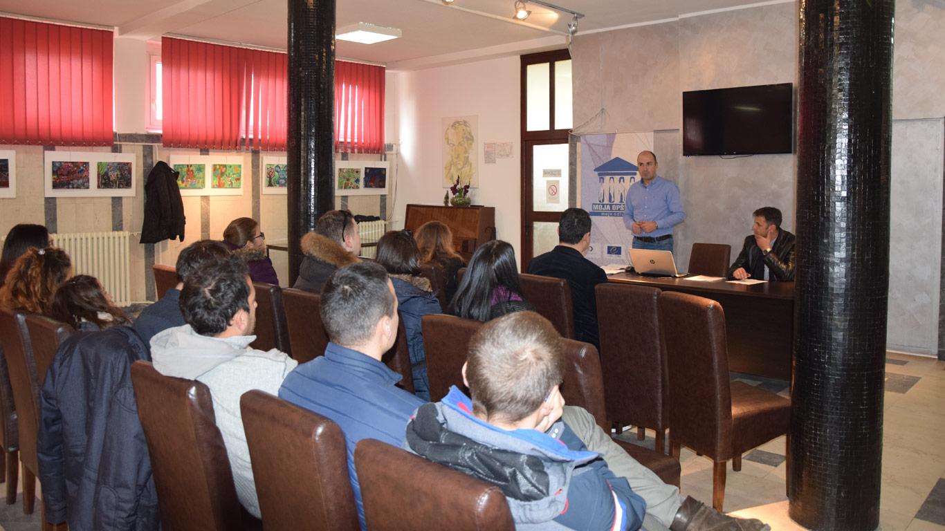"""Održana konferencija za mlade u okrivu projekta """"Moja opština – moje odluke"""""""